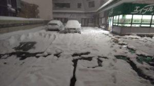 富山県内暴風雪、急激な積雪による対応 除雪・排雪