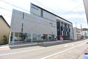 砺波工業㈱「2つのカオをもつ新社屋」新本社竣工